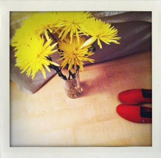 Flowersonfloor