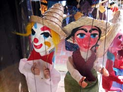 Seester_puppets